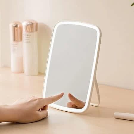 Espelho de maquilhagem com luz ajustável por 15,79€