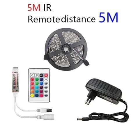 Fita led de 5m + comando + adaptador por 3,36€