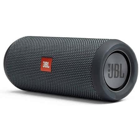 Oferta Amazon! Coluna JBL Flip Essential Bluetooth com 20 horas de Reprodução por 69,00€